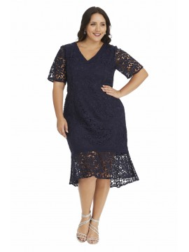 Elegant Plus Size Lace Dress with Sleeves