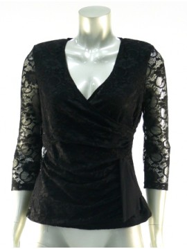 Ladies Lace Top in Black