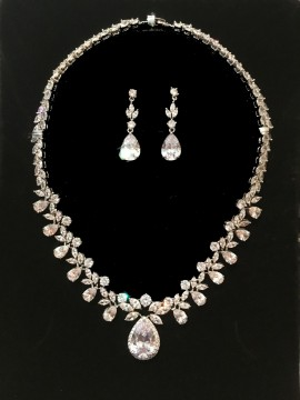 Crystal Teardrop Necklace with Teardrop Earrings