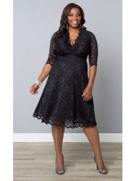 Kiyonna Mademoiselle Scalloped Lace Dress