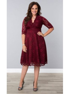 Kiyonna Mademoiselle Scalloped Lace Dress in Red