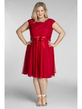 Amy Lace Dress in Crimson Red